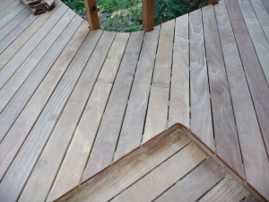Diagonal decking meets straight decking, creating a nice contrast