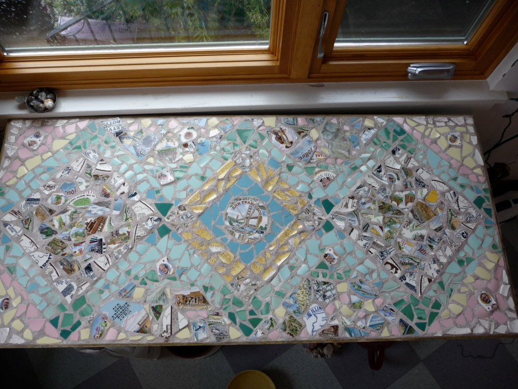 mosaic table with broken plates of the states