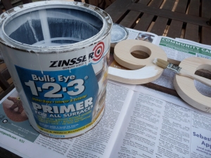 Open can of Zinser 1-2-3 primer